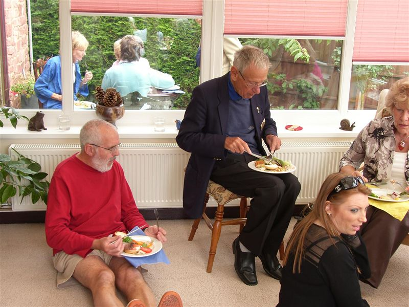 Lunch with President George and his wife Jane - Grubs up 02