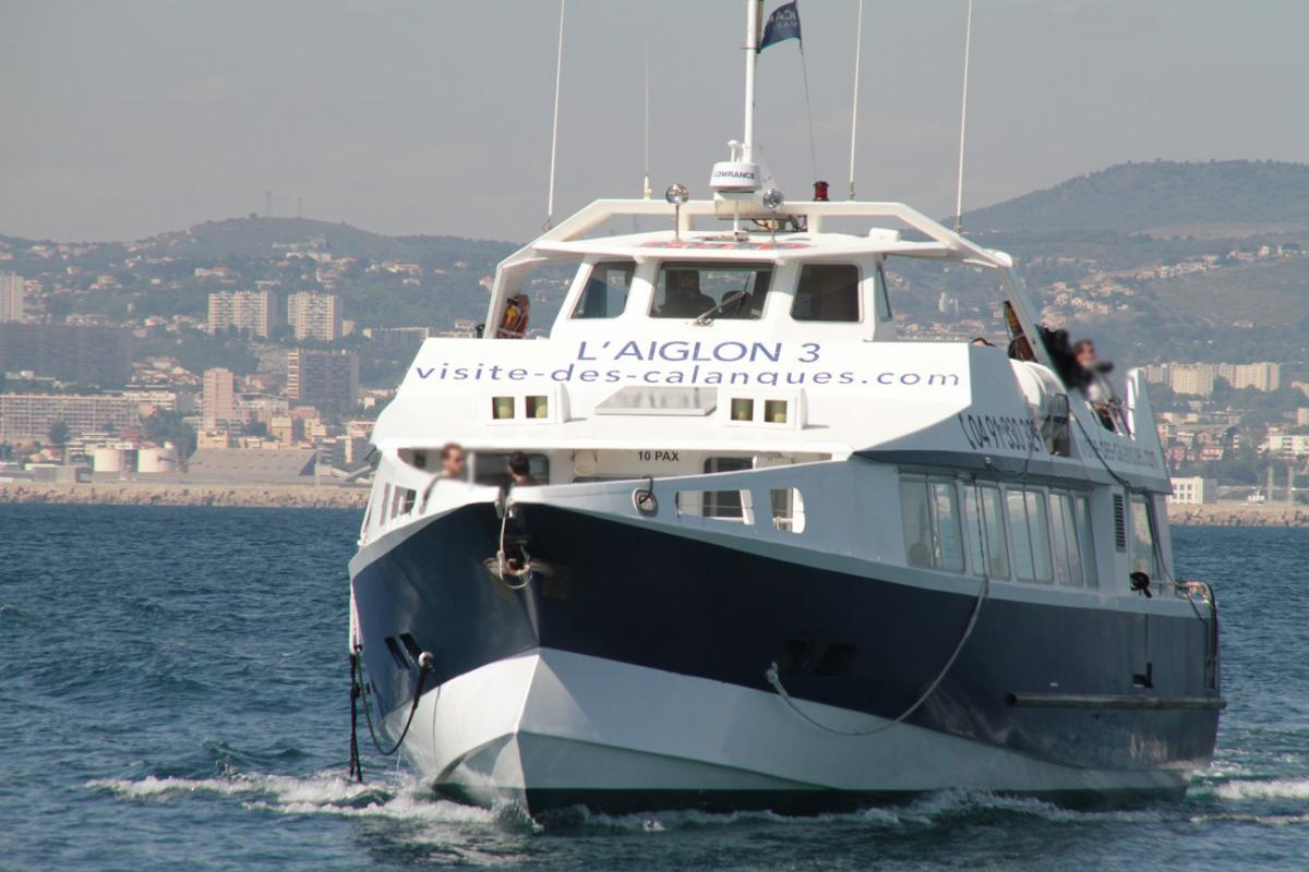 TuT International Visit 2019 - The boat takes you to the islands of If and Frioul  before returning to Marseille