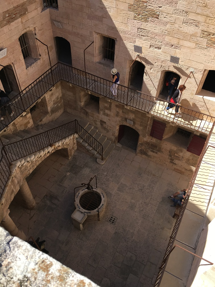 TuT International Visit 2019 - The interior of the castle was open to the elements