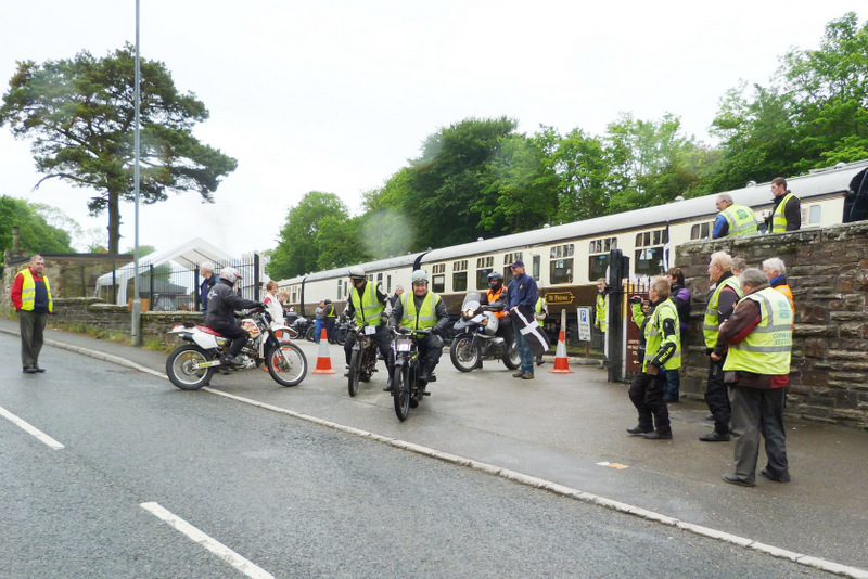 Vintage Motorcycle Club - Lands End Run 2014 - They're off 0900hrs