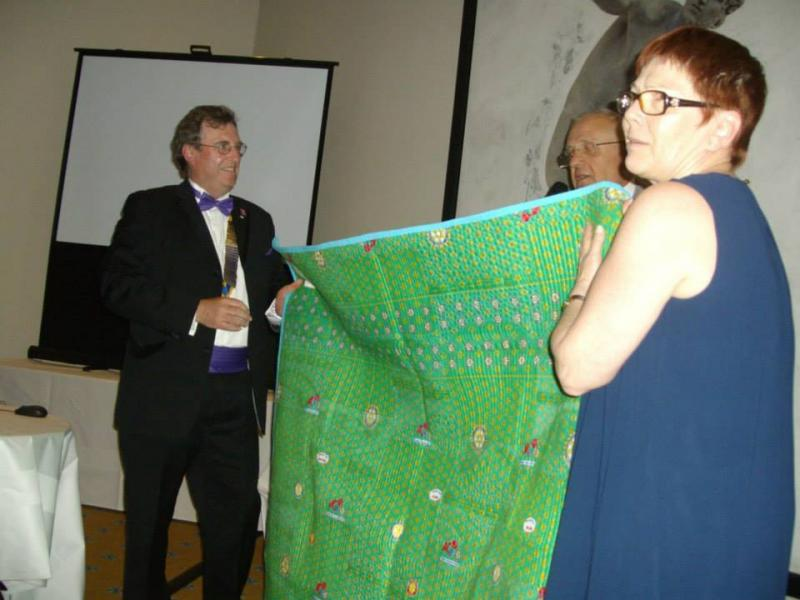 Twinning May 2015 - Presenting the quilt