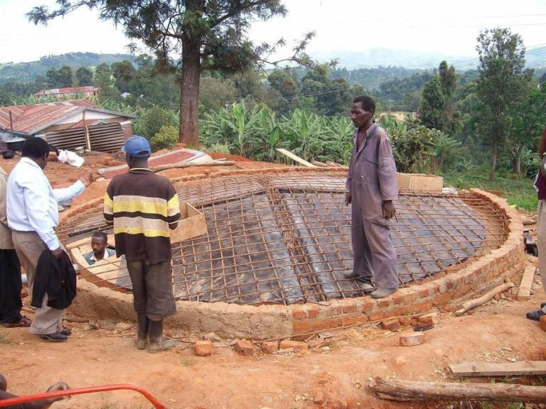 KINKIIZI WATER PROJECT - UGANDA - Storage tank installed, waiting for topping off.