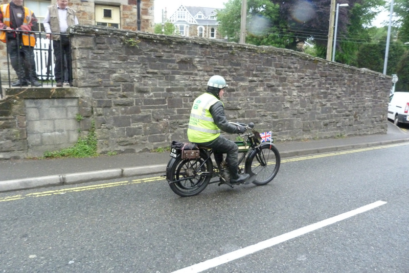 Vintage Motorcycle Club - Lands End Run 2014 - Peter Old leads the way
