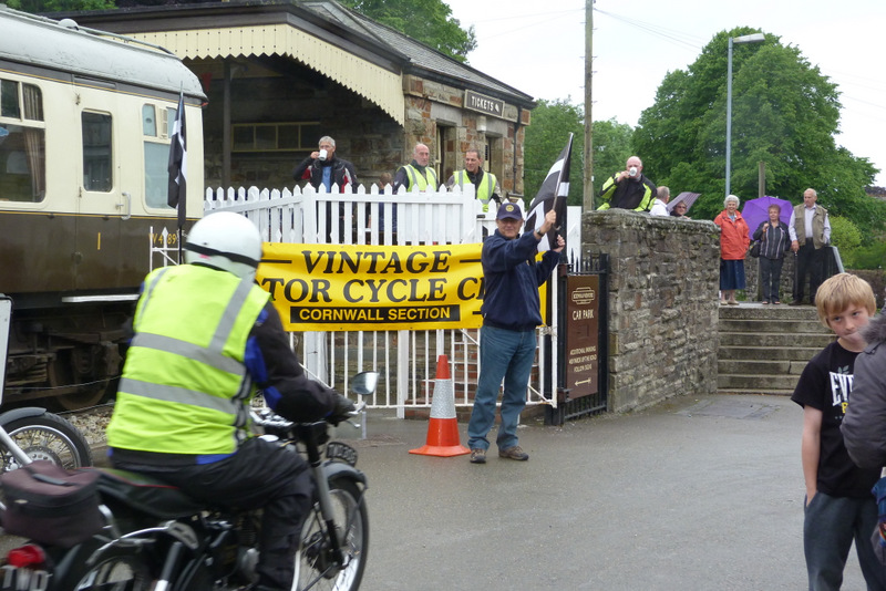 Vintage Motorcycle Club - Lands End Run 2014 - President Bodmin Rotary Allan Foad official starter