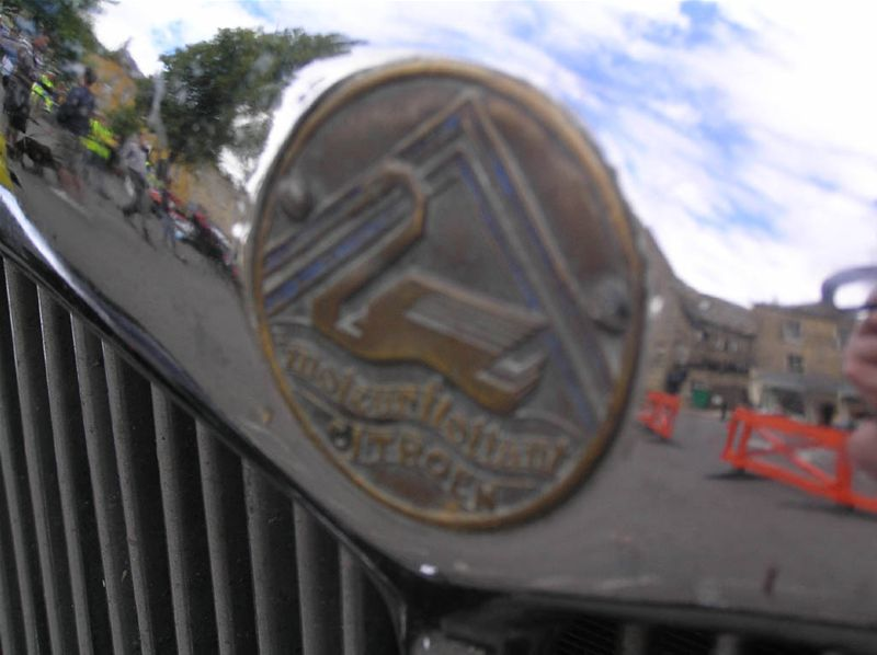 Chipping Norton Car Day - The Citroen 8 has a distinctive badge....