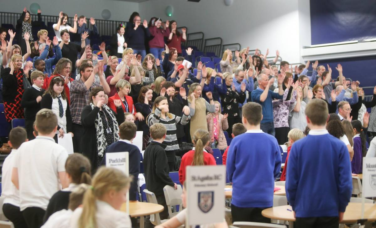 2017 Rotary Club of Leven Primary School Quiz - The audience patriating!