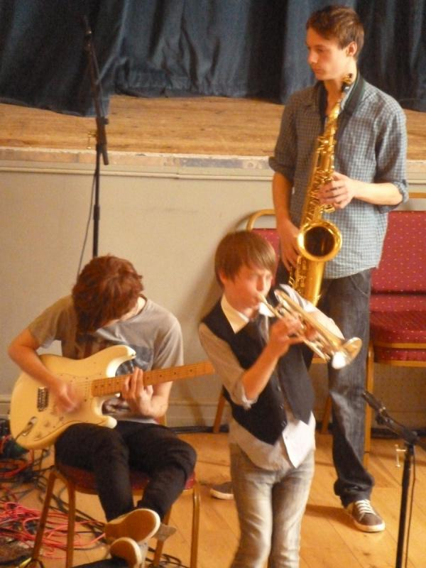 CHIPPY JAZZ AND MUSIC 2012 - Smaller and more intimate, with a relaxed and friendly style, this band had a very talented young trumpeter...