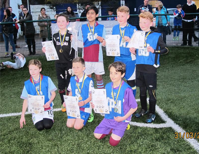Rotary Schools Football Competition: Up to and including Year 6. - Beaten semifinalists