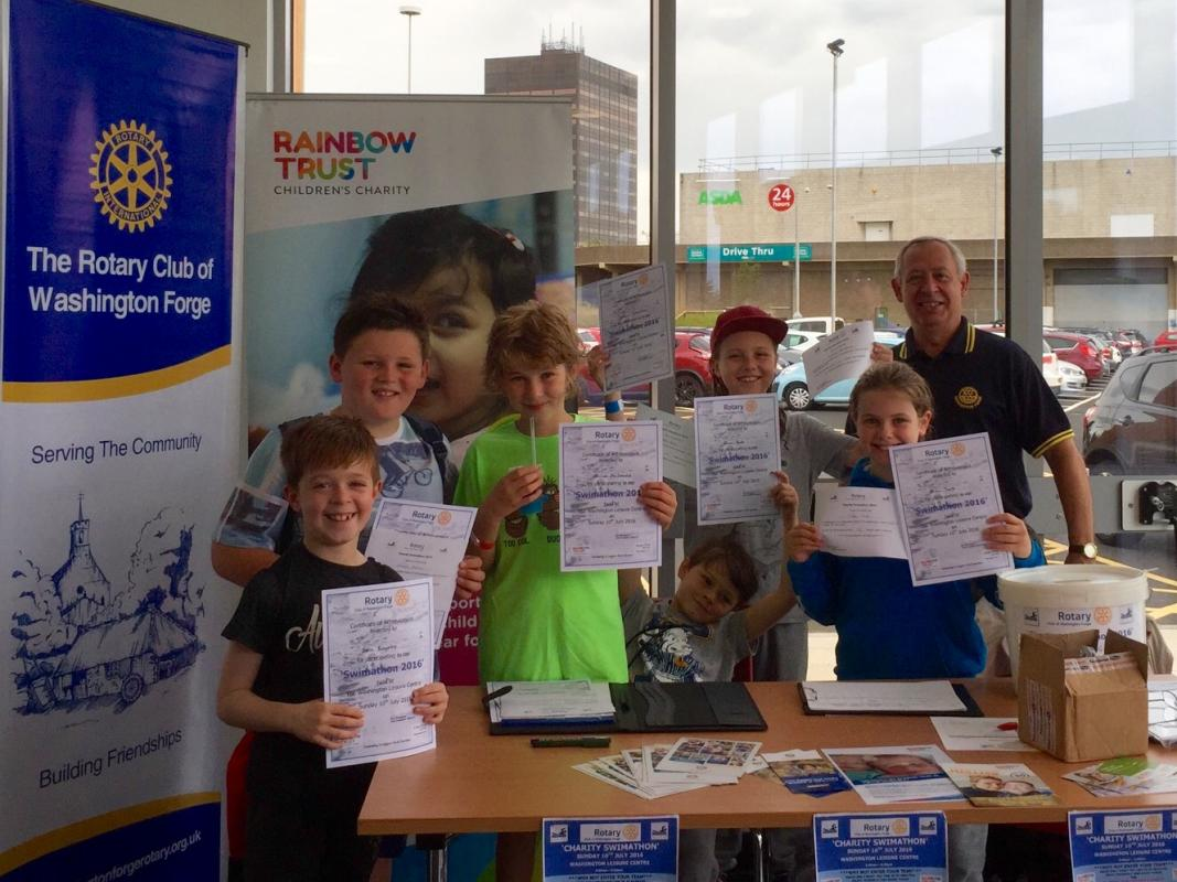 Charity Swimathon 2016 - Proudly displaying their certificates