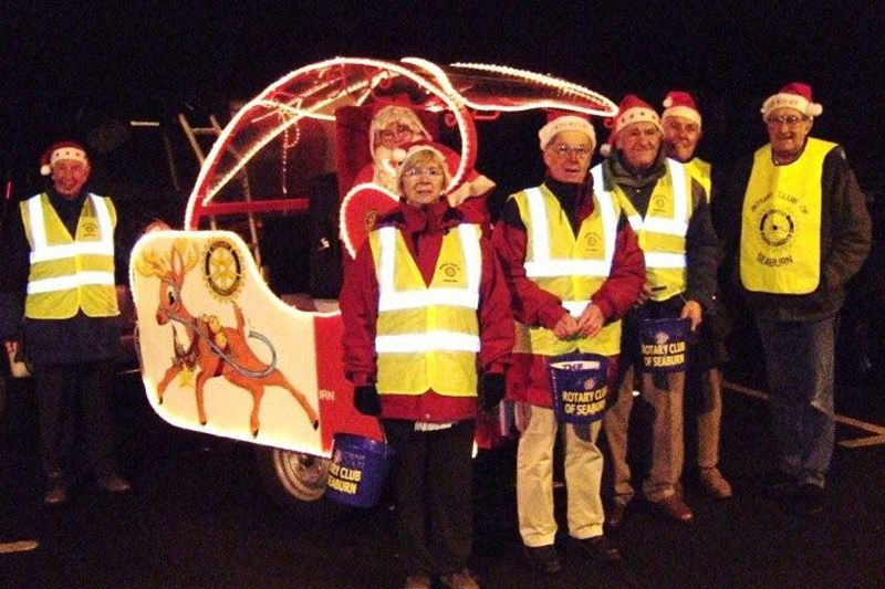 Santa Christmas Sleigh collections - Santa with his little helpers.