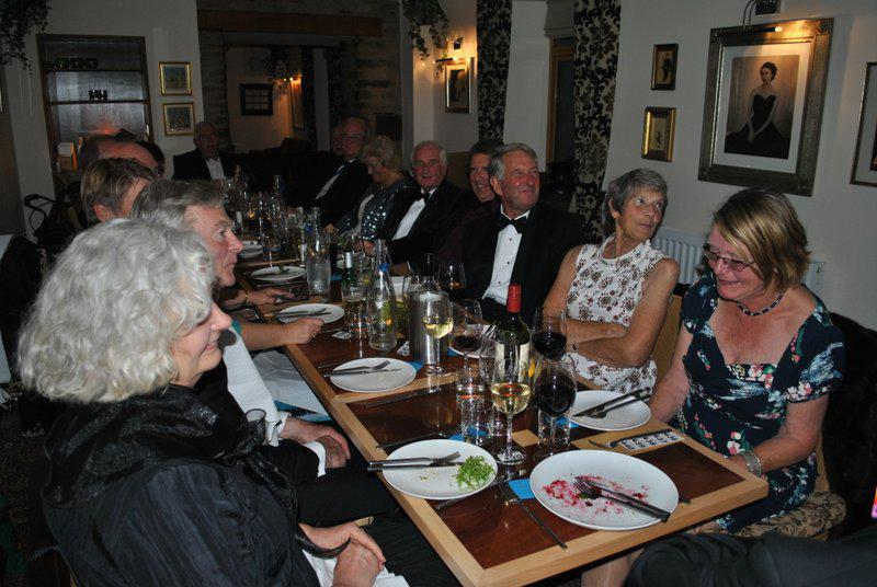 7.15 for 7.30pm Sheila's President's night at the Castle Inn - Sandie, Bruce, Ann, Brian, Ivan, David, Mary, Trixie