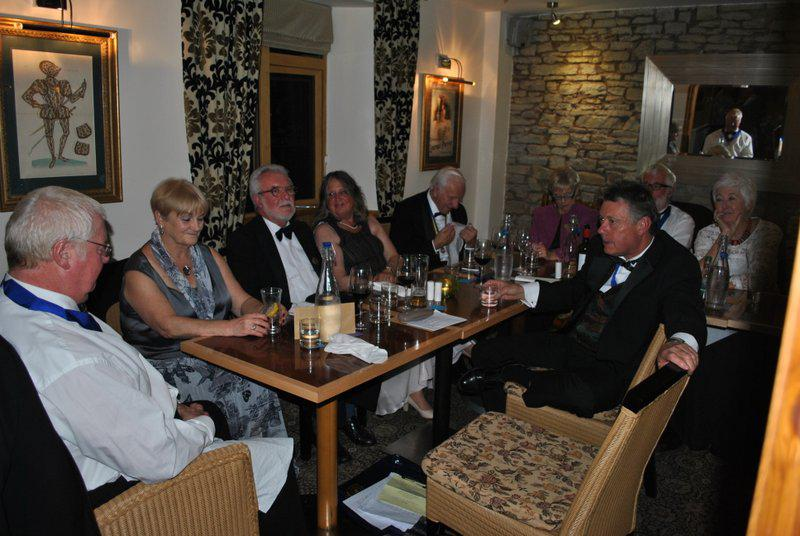 7.15 for 7.30pm Sheila's President's night at the Castle Inn - Kevin, Margaret, Howard, Christine, Adam, Pauline, Ian, Brian, Carolyn