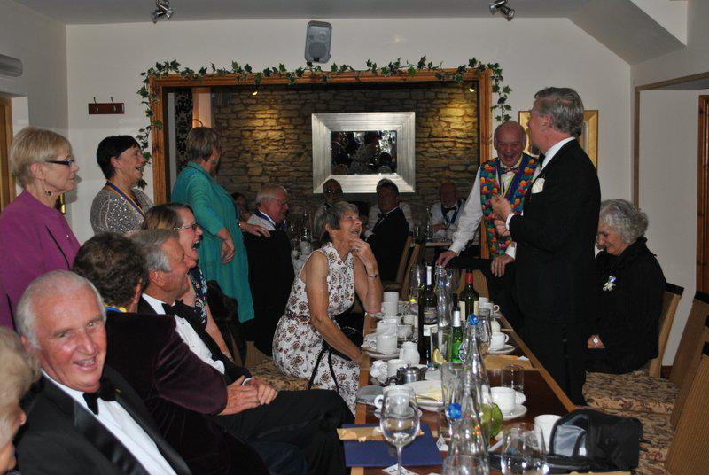 7.15 for 7.30pm Sheila's President's night at the Castle Inn - Bruce explaining how our guests decided that Ann was the winner