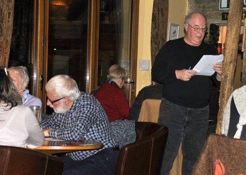 Family Quiz and Supper at the Baron - Question master Paul in action