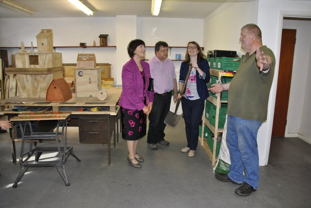 Kirsty Williams supports Knighton Men's Shed -