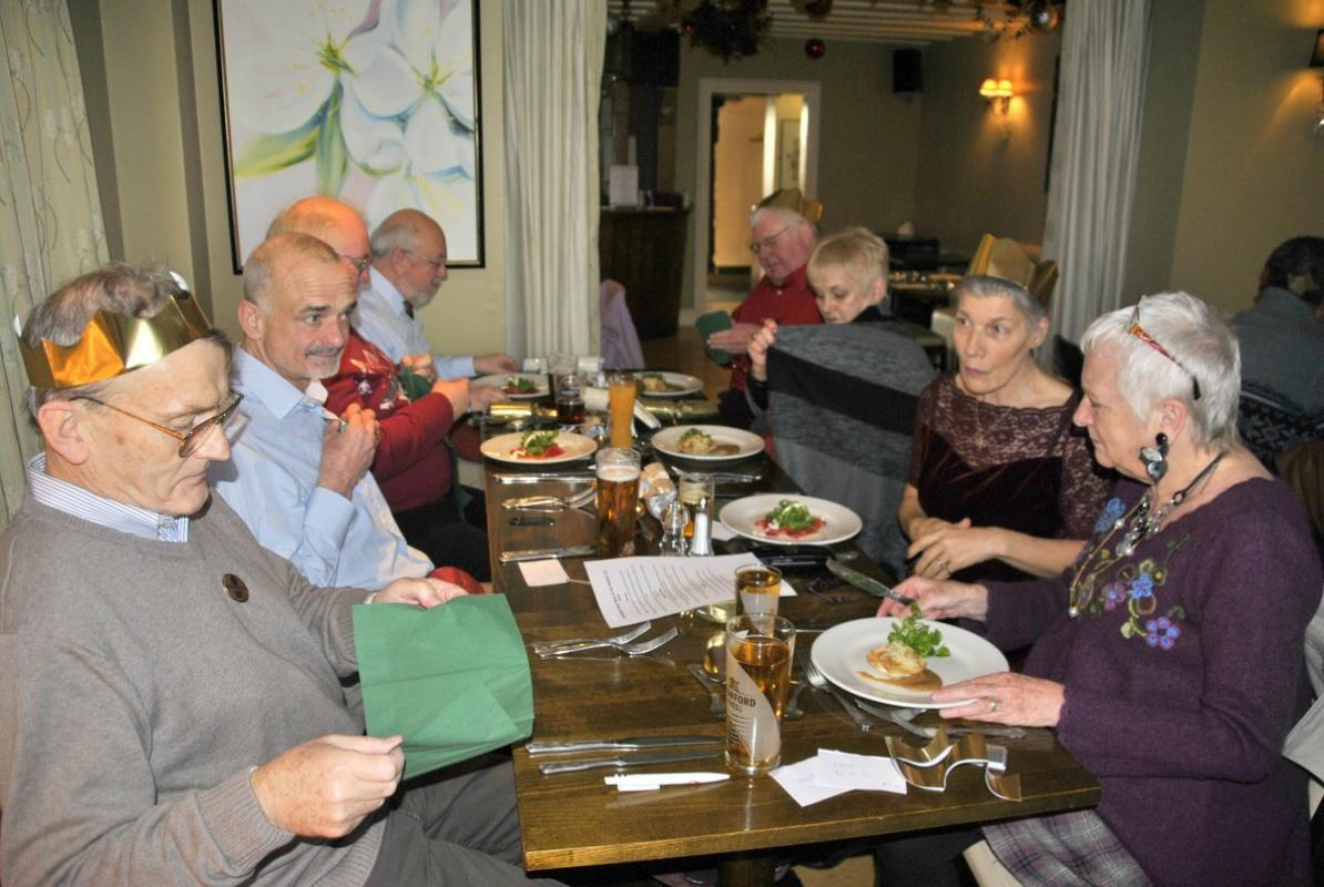 Golfing Rotarians Christmas lunch Portway, Staunton - Chatting and munching 3