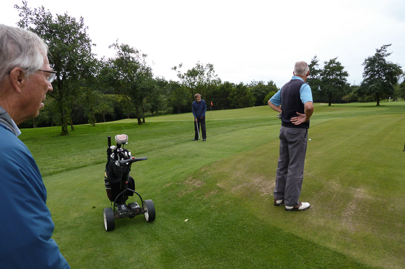 Golfer - Non-Golfer Competition, September 2016 - Peter attempts to get on the green