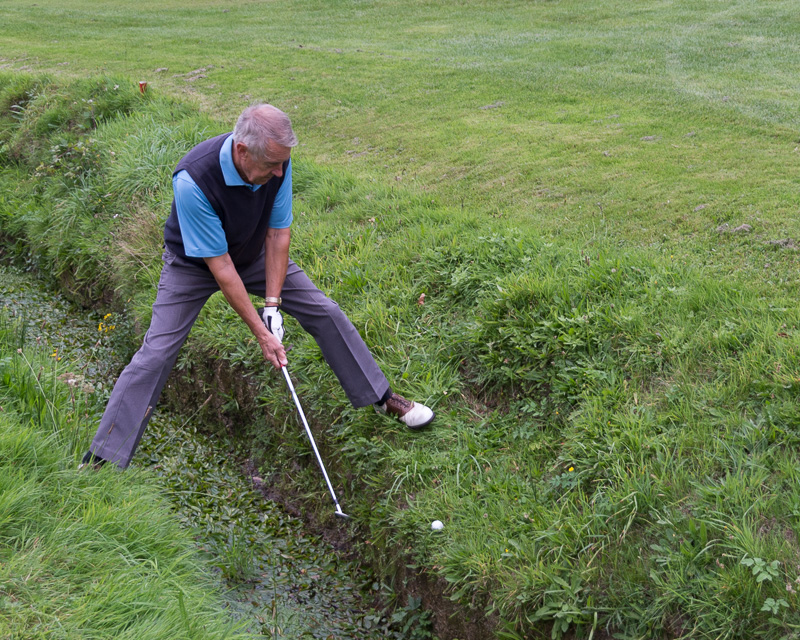 Golfer - Non-Golfer Competition, September 2016 - Ian avoiding the ditch.