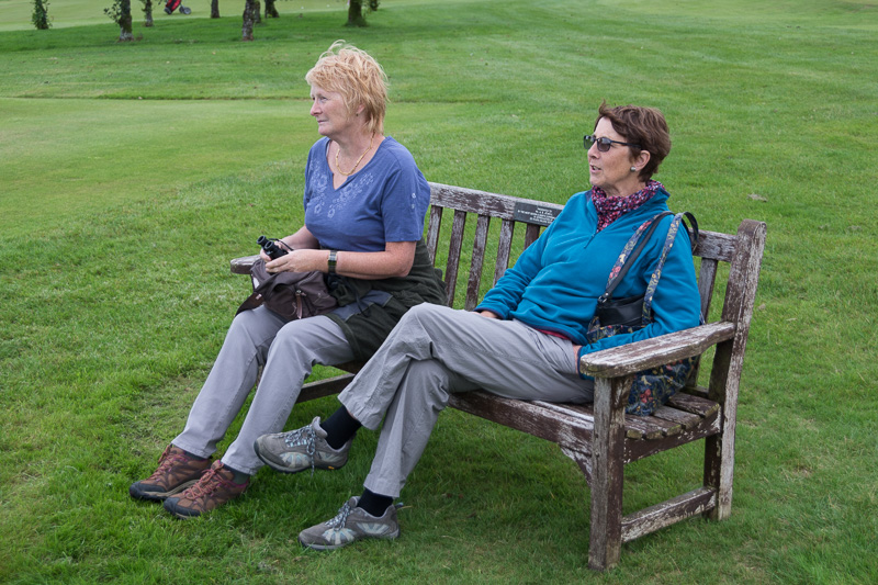 Golfer - Non-Golfer Competition, September 2016 - Paulette and Sue, watching in amazement!