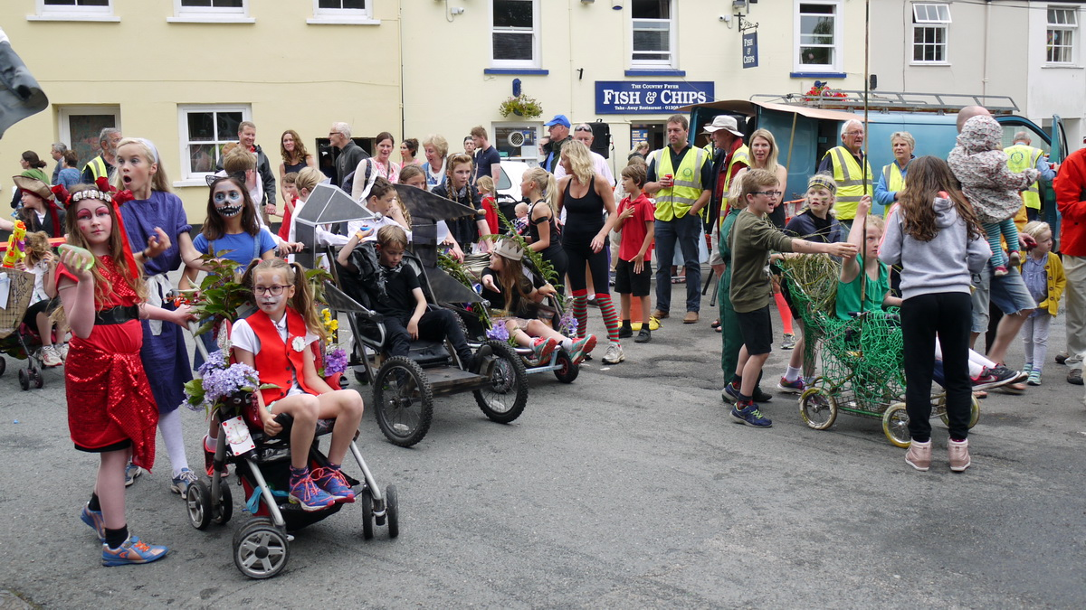 2017 Carnival Photographs - 2017-07-19a - Pram Race (01)