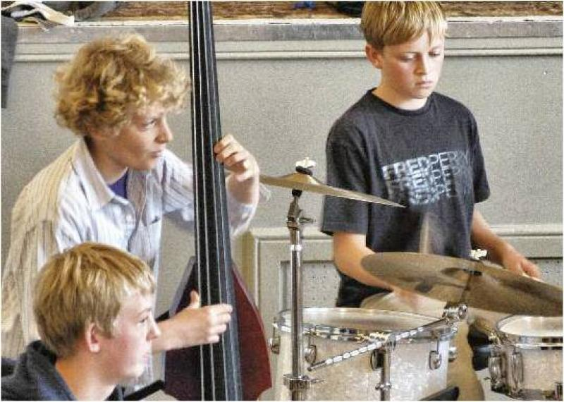 CHIPPY JAZZ AND MUSIC 2012 - ...the band played some very interesting pieces...