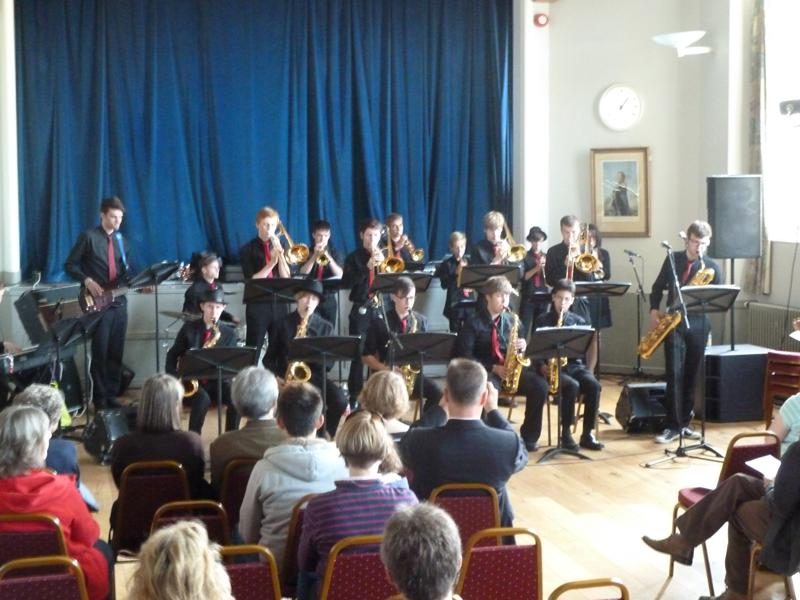 CHIPPY JAZZ AND MUSIC 2013 - as they played a great swing repertoire