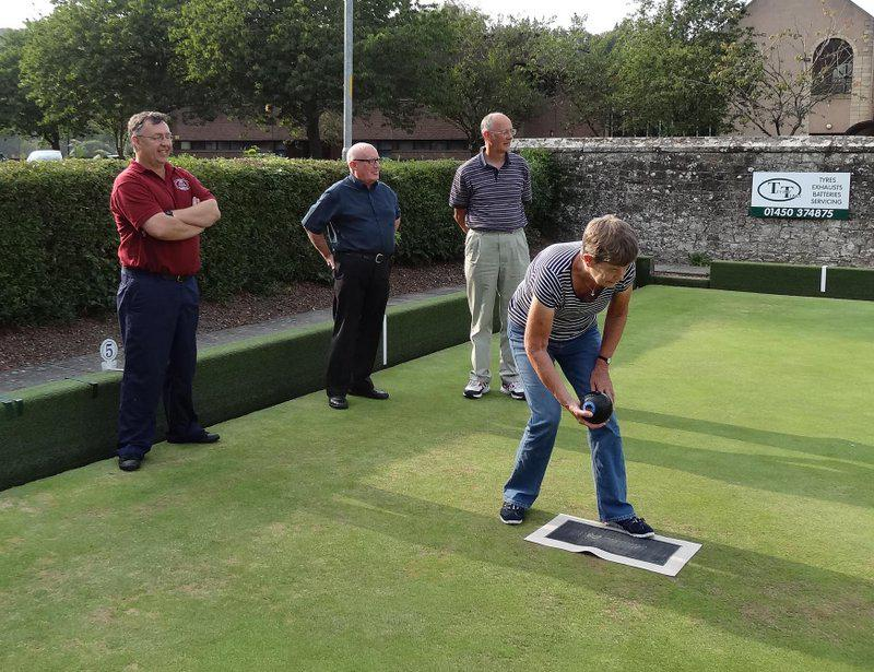 Annual holiday Bowls competition - 2 122