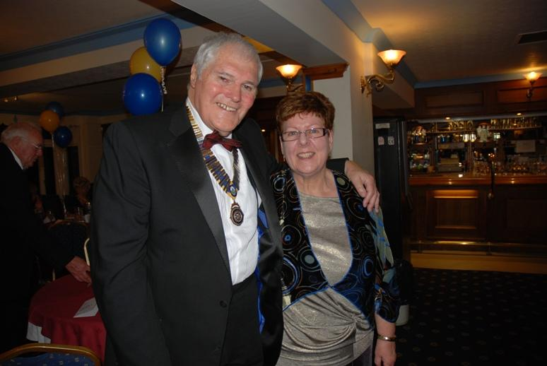 CHARTER DINNER 2016 - Jeff thanks Rotarian Lesley for reading the Club's Charter.