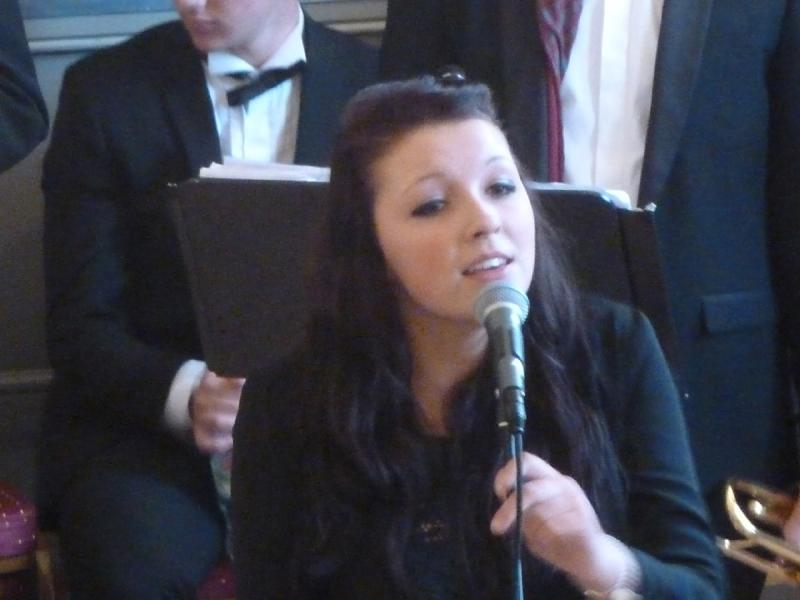 CHIPPY JAZZ AND MUSIC 2012 - ...while the vocals completed and fully rounded a great band.