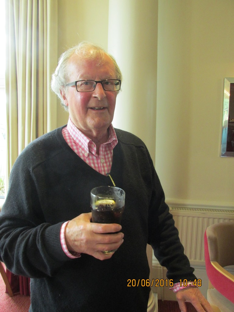 Visit from Odal Rotary Club, Norway - 32 Bill drinking COKE!!!