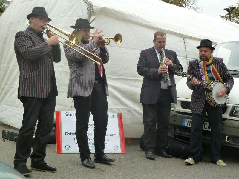 CHIPPY JAZZ AND MUSIC 2012 - Towards the end of the afternoon Dickie and his team were still going great guns.