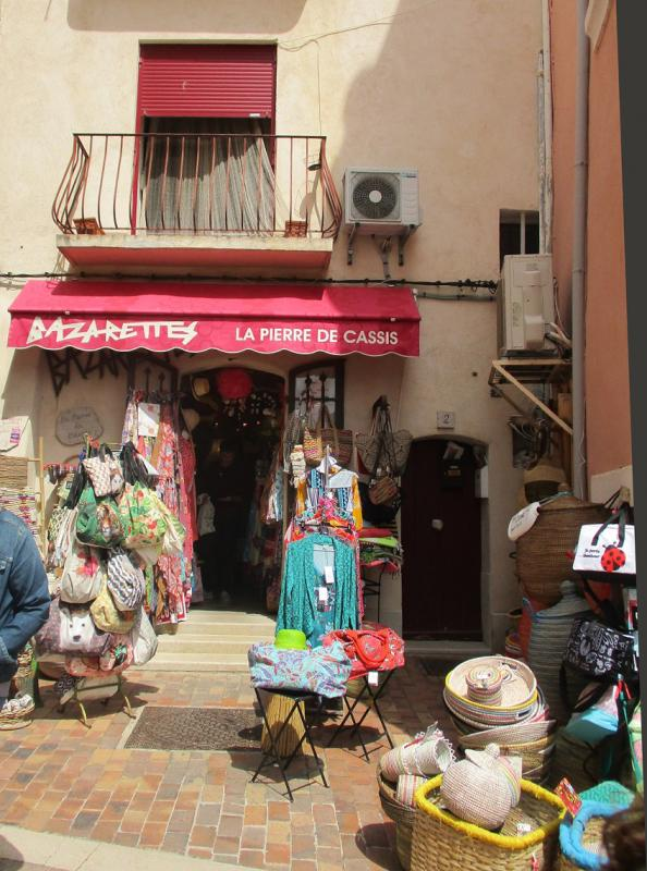 TuT International Visit 2019 - The harbour in Cassis was full of tiny charming colourful little shops
