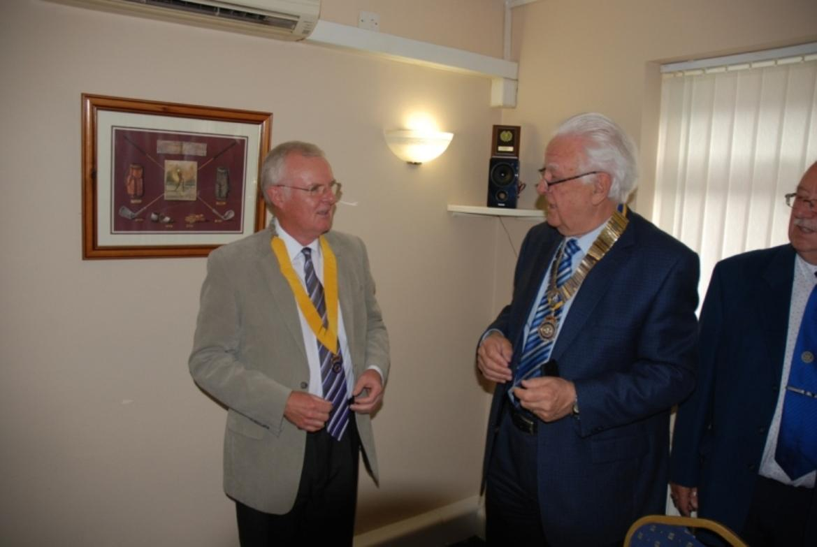INDUCTION OF PRESIDENT ERIC HIND - 3RD JULY 2017 - Pat and Eric chat.