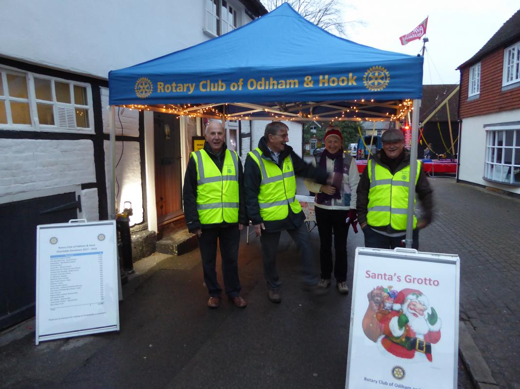 Rotary's Grotto at Odiham Extravaganza - 2019 - The set-up team