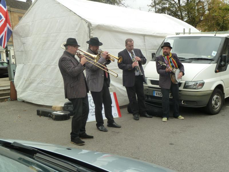 CHIPPY JAZZ AND MUSIC 2012 - ...as well as providing a great musical backdrop to the Information tent.