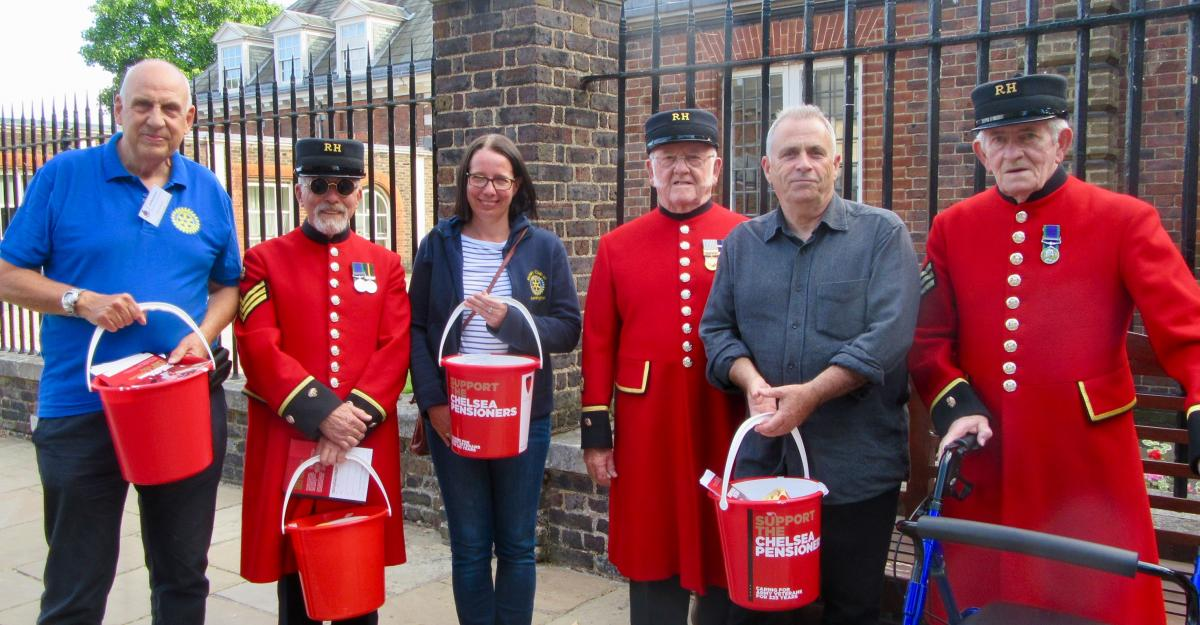 Our Club, our history and our Rotarians - For many years our Club has helped collect donations for the Chelsea Pensioners at the Royal Hospital in Chelsea. This photograph was take at one of the 2018 'Live in Chelsea' concerts.