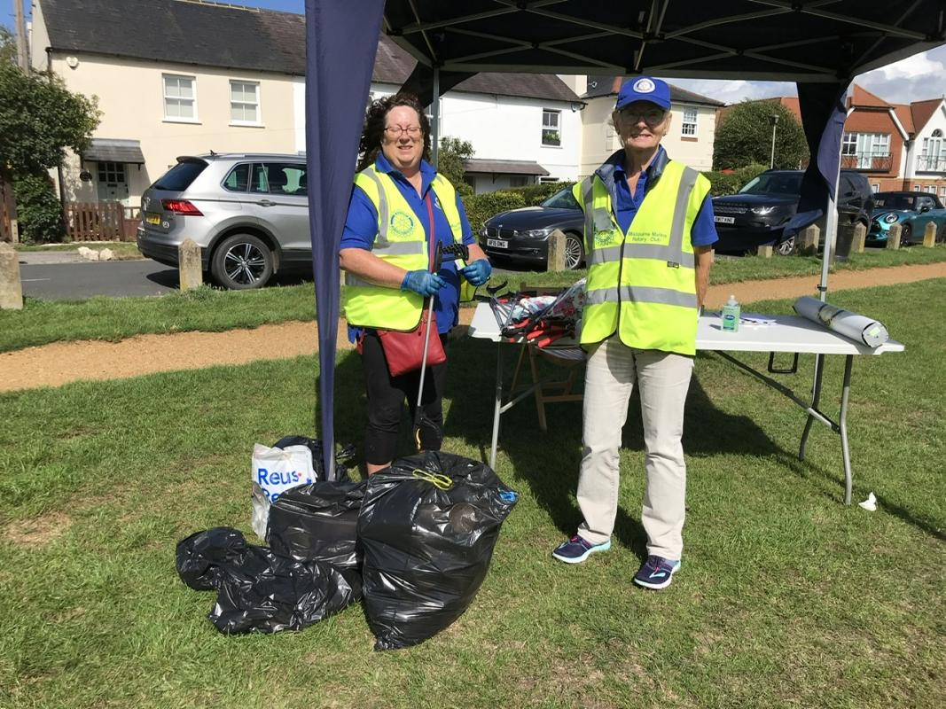 Picking Litter in Gerrards Cross, Chalfont St Peter and Chalfont St Giles - 22 August