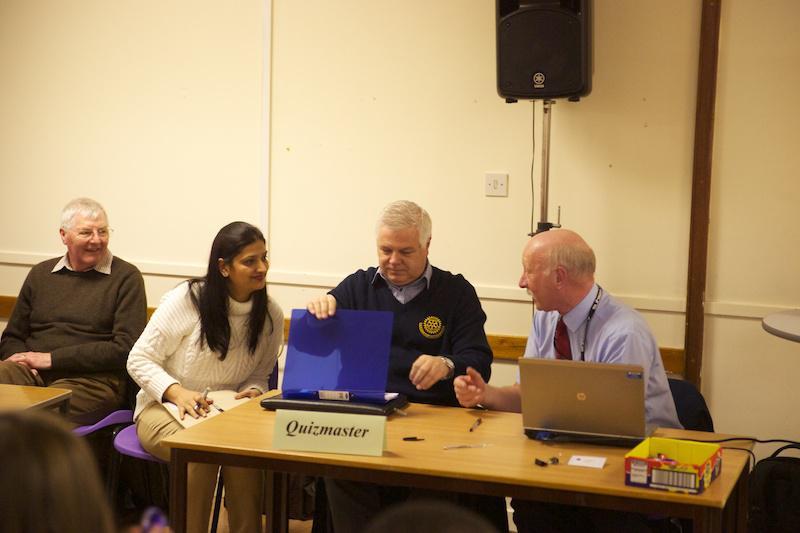 Primary School Quiz 2014 - ABR - PSQ  2014 004 - Rotarians running the show