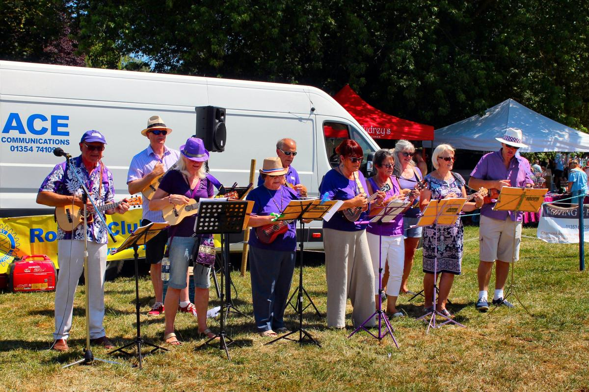 Ely Aquafest 2018 - The Ukeleles in action