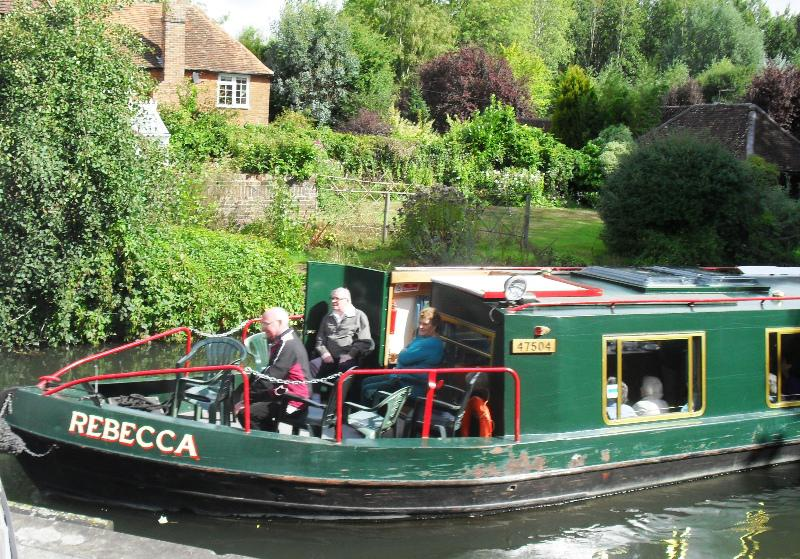 2013 Barge Trips for Local Community Groups - The Rebecca setting off for Aldermaston from Woolhampton
