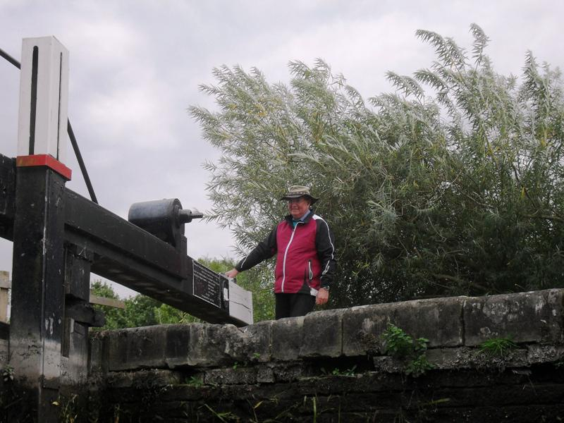 2013 Barge Trips for Local Community Groups - Going down.. as Rtn Chris Whittaker mans the lock