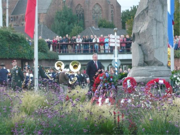 Arnhem Comemoration Visit - Vice President Trevor Morgan lays wreath on behalf od Croydon Clubs at Arnhem Comemoration