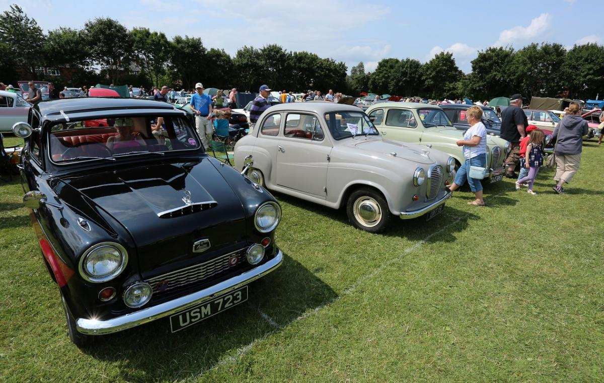 Doncaster Classic Car and Bike Show 2017 - Austin A50 and A35s