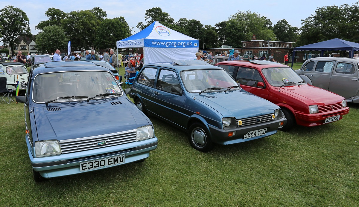 Doncaster Classic Car and Bike Show 2017 - Austin Metros
