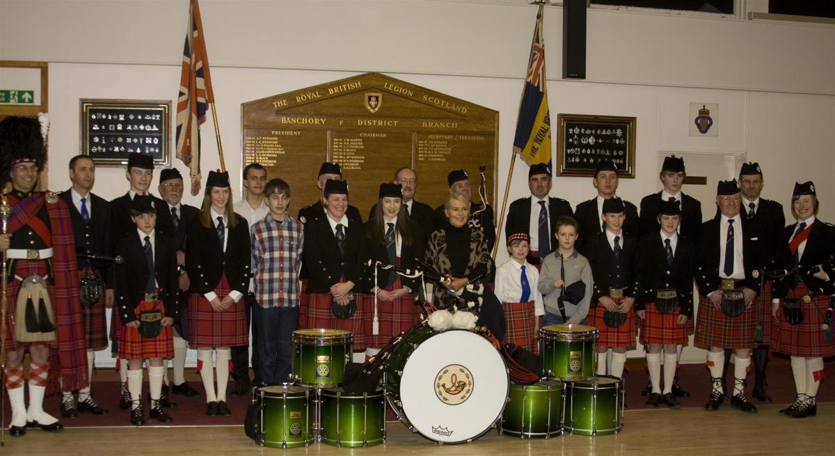 2013 Presentation to Banchory Pipe Band - BL 13 (Large)