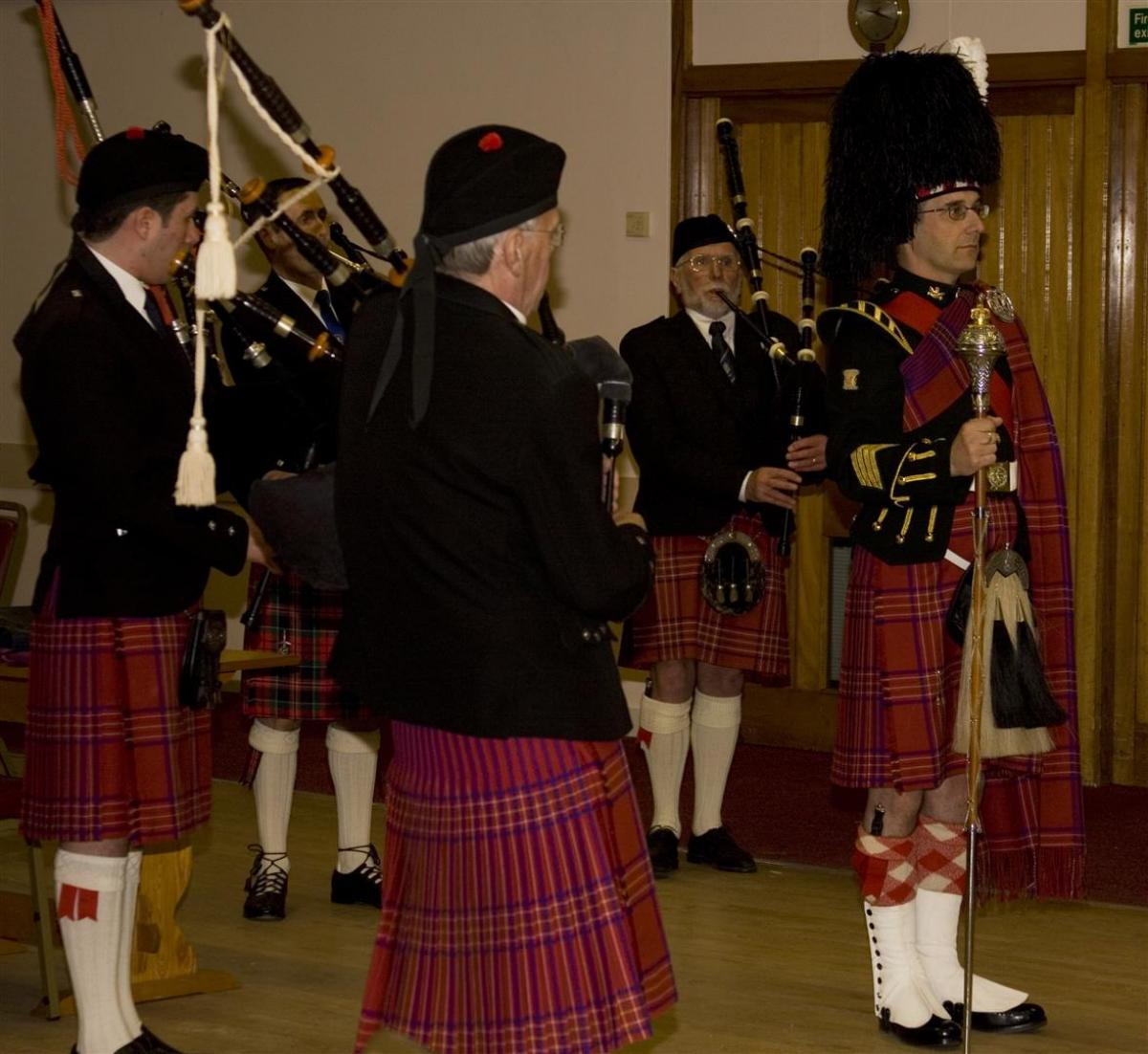 2013 Presentation to Banchory Pipe Band - BL 15 (Large)
