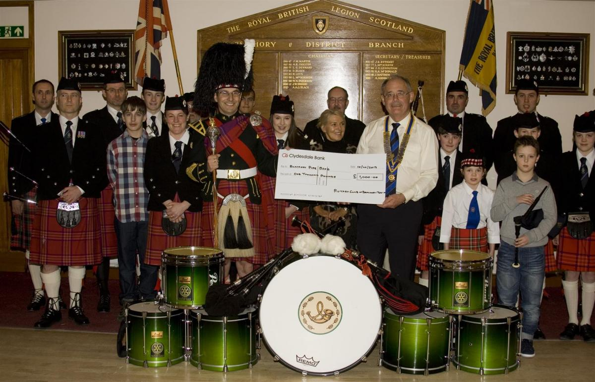 2013 Presentation to Banchory Pipe Band - BL 7 (Large)
