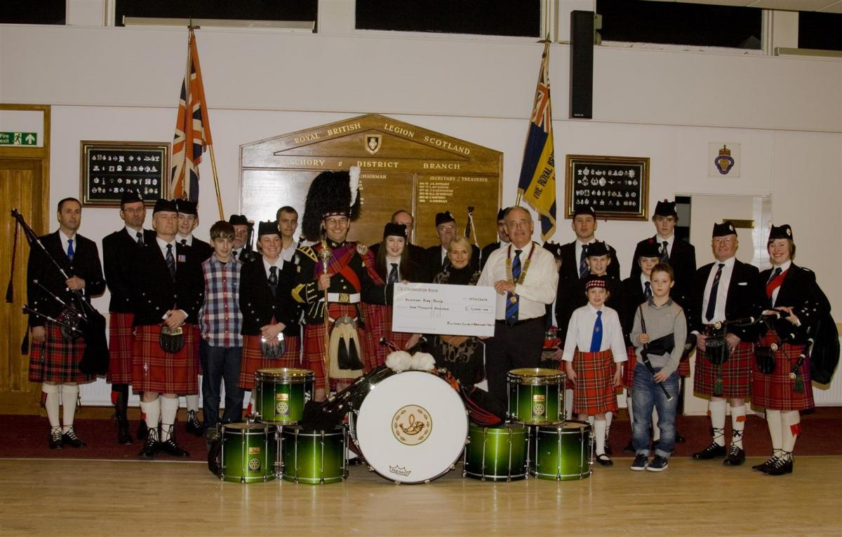 2013 Presentation to Banchory Pipe Band - BL 9 (Large)