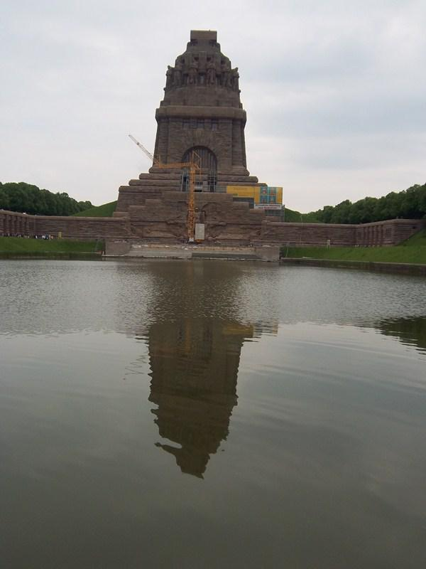 Contact Club Reunion in Leipzig - The Battle of the Nations Memorial commemorates the defeat of Napoleon in 1813 by Prussia and its Allies on the fields of battle near Leipzig.