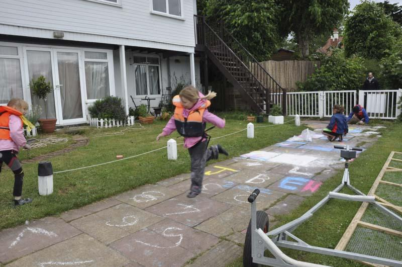 Life on the Upper Thames Waves! - Hopscotch keeps you fit too